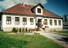 Česká pošta, pohostinství, obřadní síň